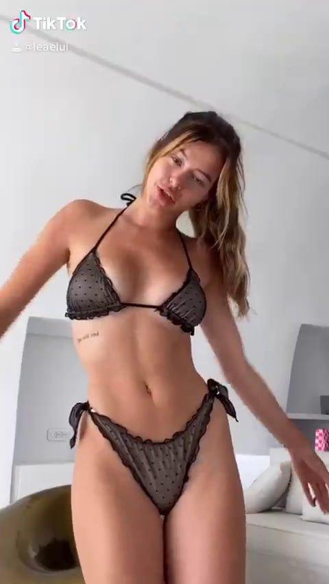 Teen Nude Pictures: Lea Elui (French Instagram Model)